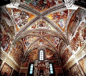 Ceiling mural in the San Brizio Chapel